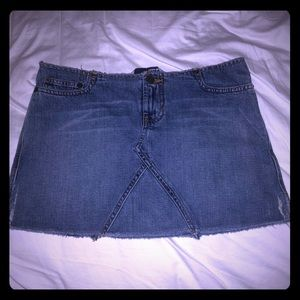 Cute blue denim Abercrombie side slit mini skirt